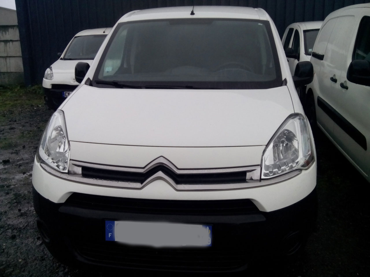 Voiture Citroen Berlingo (10/02/2014) - blanc - lieu: Lille - Paris